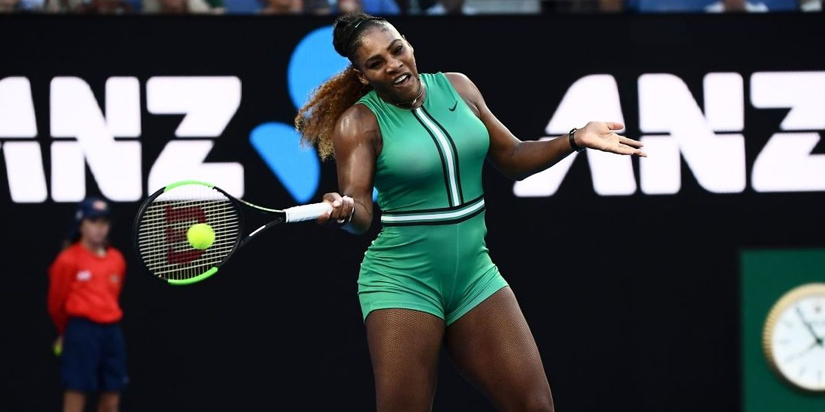 Serena Williams poursuit sa route sur les courts de Melbourne.
