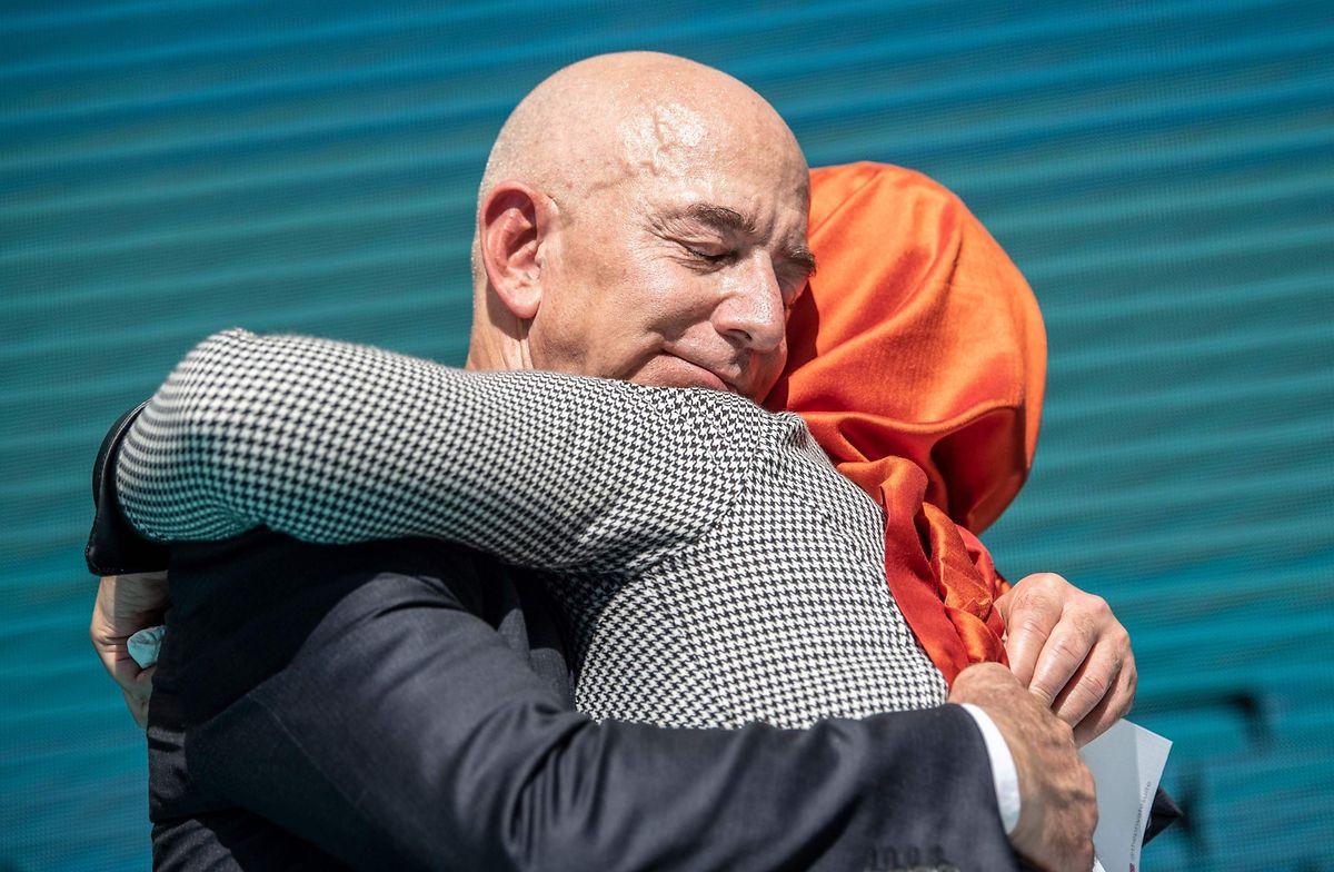 """Amazon-Chef Jeff Bezos war als Besitzer der """"Washington Post"""", für die Khashoggi schrieb, ebenfalls anwesend."""