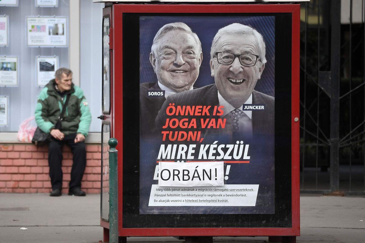 Ein Plakatkampagne gegen Einwanderung könnte die Fidesz die Mitgliedschaft in der EVP kosten.