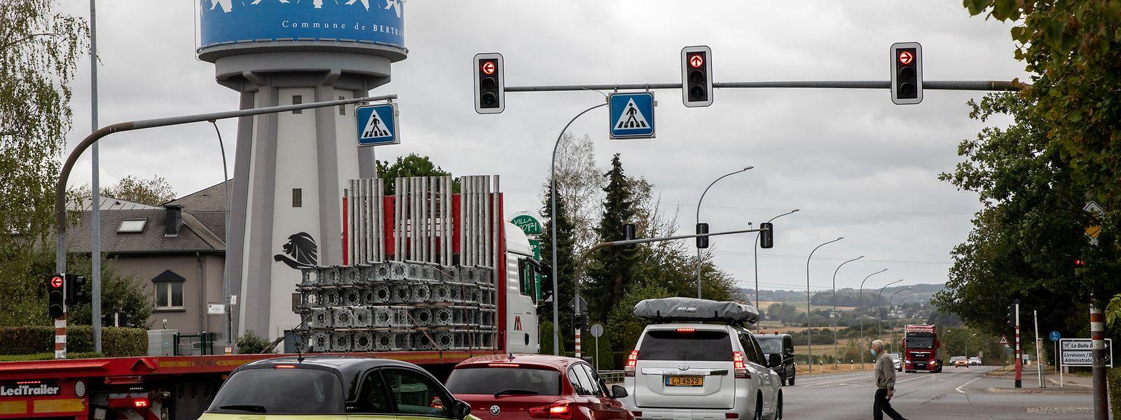 Über zwei Millionen Euro wird das System aus intelligenten Ampeln kosten, das in Bartringen auf einer Länge von 354 Metern installiert wird.