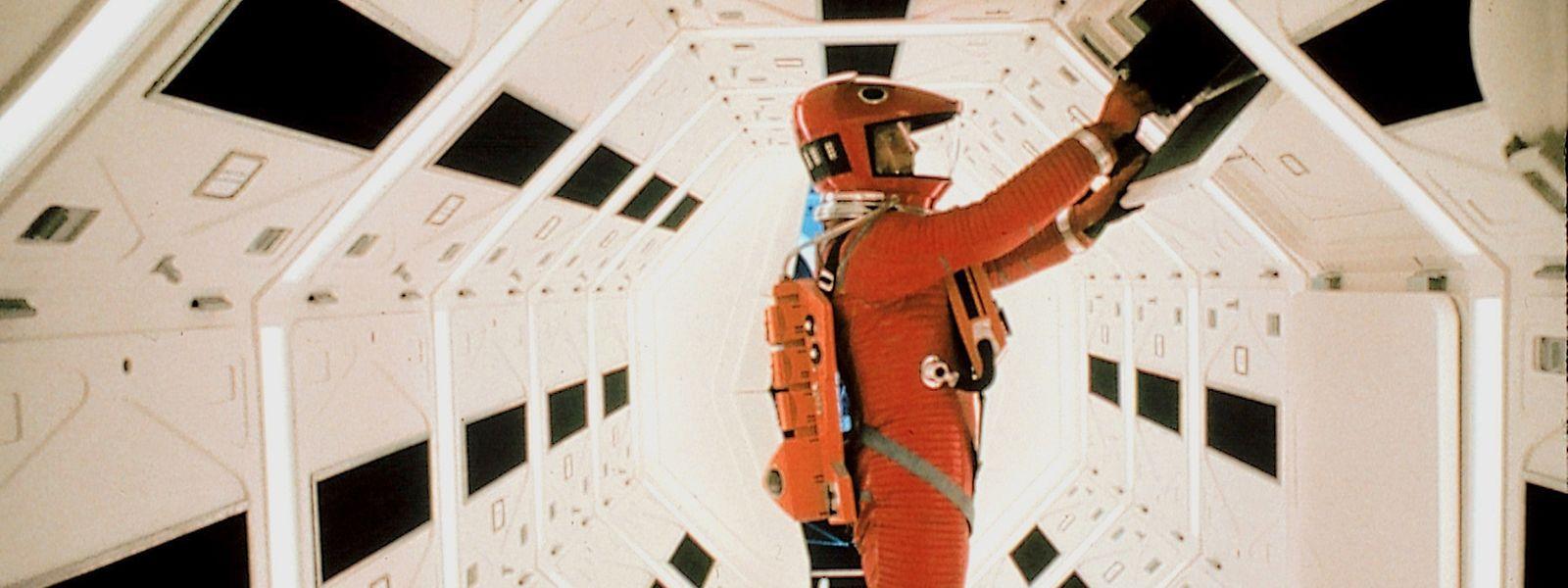 """Kubricks Film basiert auf einer Kurzgeschichte des Schriftstellers und Zukunftsforschers Arthur C. Clarke: Mit seinem realistischen Raumschiff """"Discovery"""" (hier im Bild) schuf er neue filmtechnische Standards."""