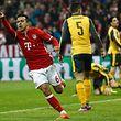 Thiago schießt zwei der insgesamt vier Tore für Bayern München.
