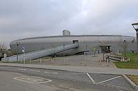 Erst 2009 wurde das Wellnessbad eingeweiht, nun wurden erhebliche Schäden am Dach festgestellt.