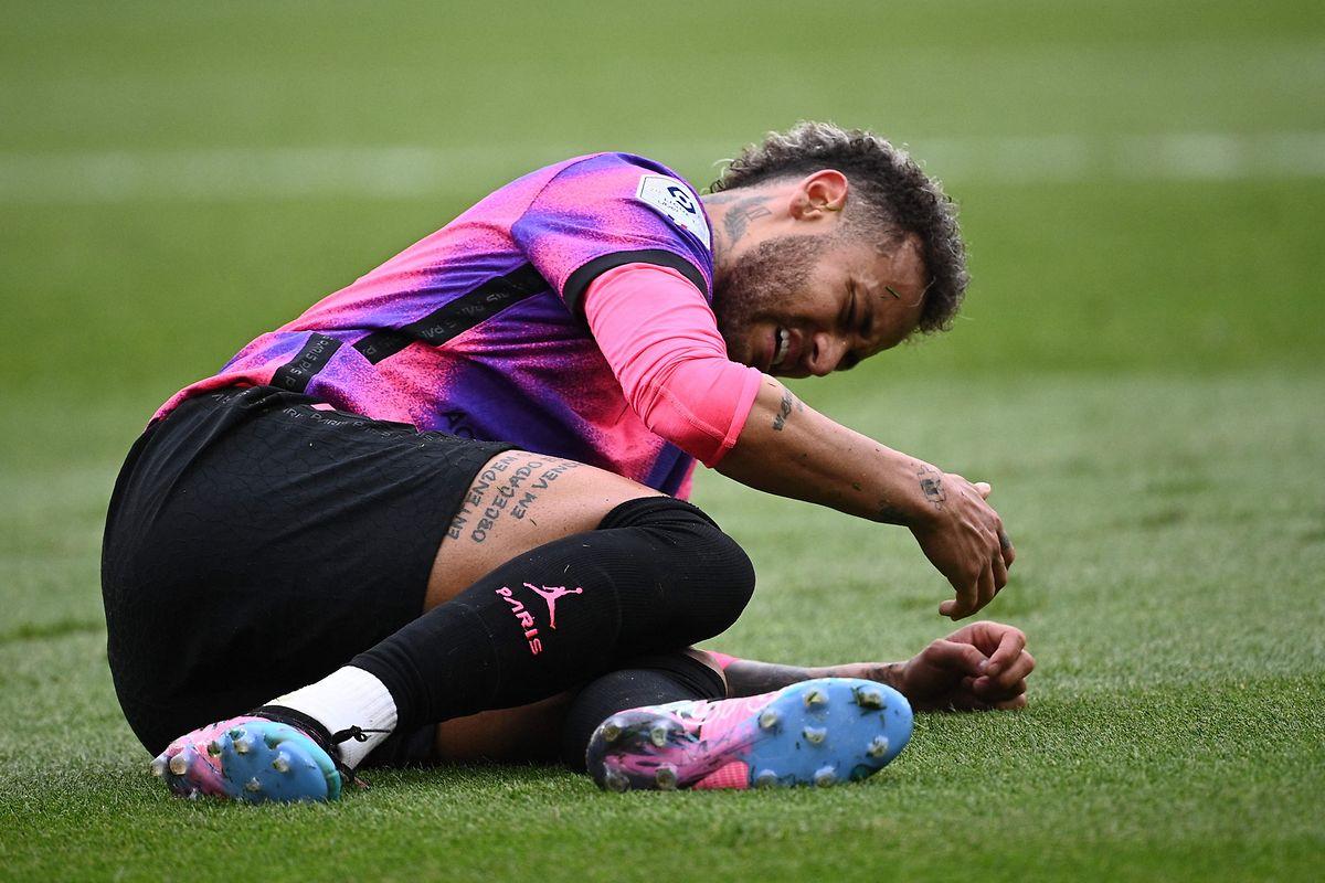Neymar (Paris SG) fällt auf dem Platz nicht immer nur positiv auf.