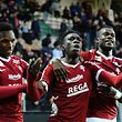 Metz' Senegalese midfielder Ismaila Sarr (C) celebrates with teammates after scoring during the French L1 football match between Metz (FCM) and Nancy (ASNL) at Saint Symphorien Stadium in Longeville-Les-Metz on April 29, 2017. / AFP PHOTO / Jean Christophe VERHAEGEN