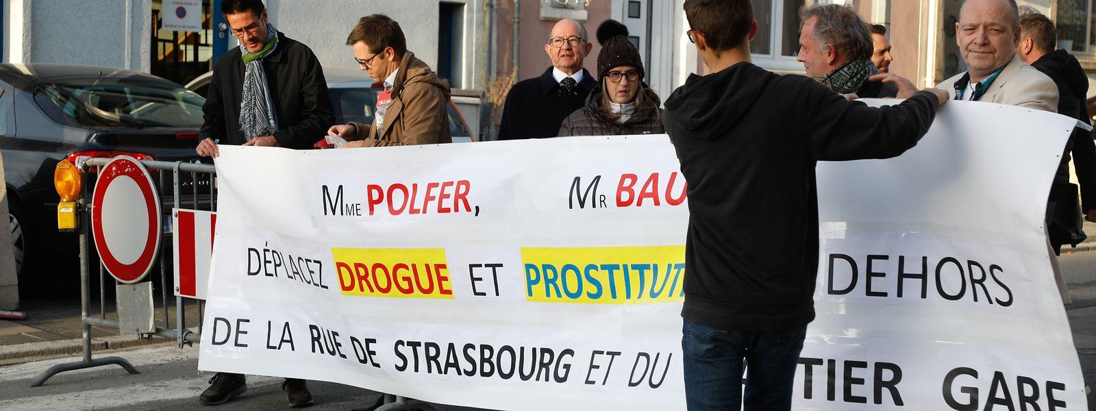 Am Freitag blockierten circa 80 Einwohner die Rue de Strasbourg.