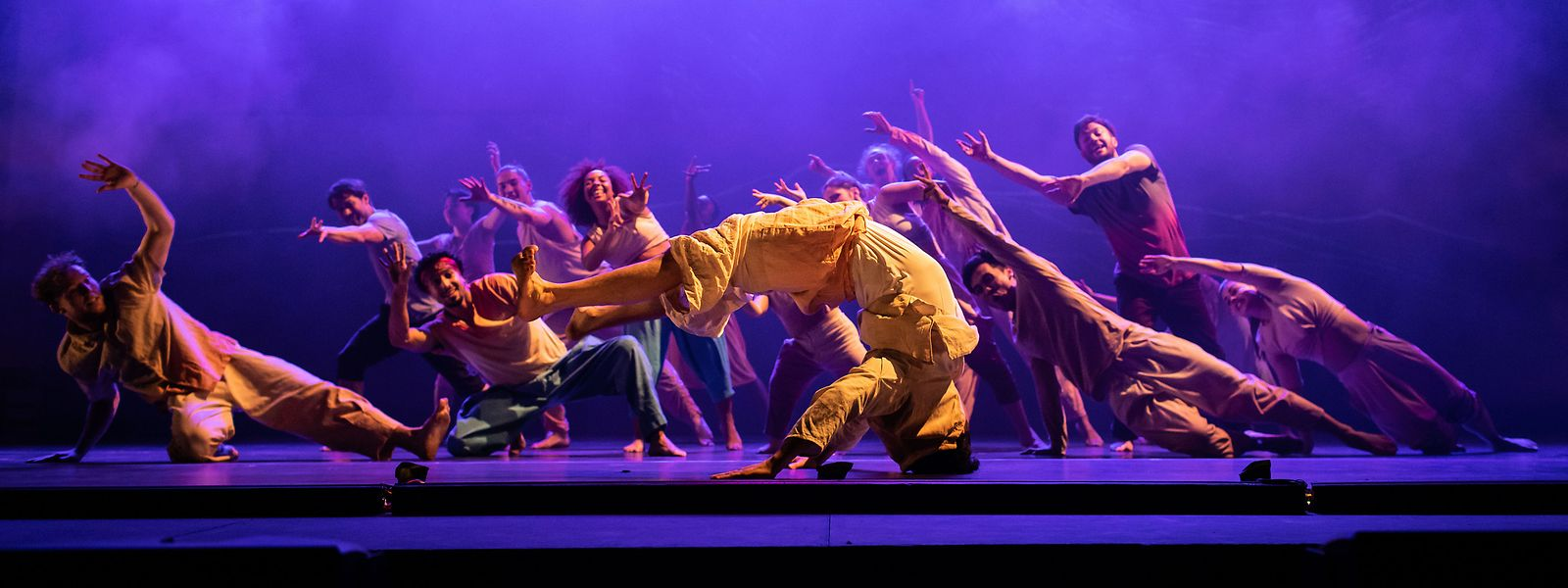Une bonne nouvelle malgré tout: le spectacle «Message In A Bottle», prévu au Grand Théâtre les 26, 27 et 28 mars, n'est pas annulé mais reporté à une date ultérieure.