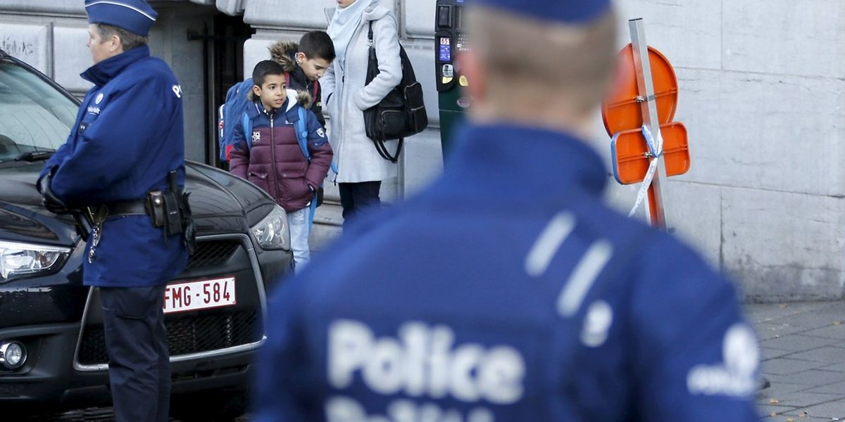 Die Schulen sind wieder geöffnet. Eltern müssen ihren Kindern erklären, weshalb der Unterricht trotz der Terrorgefahr wieder beginnt.
