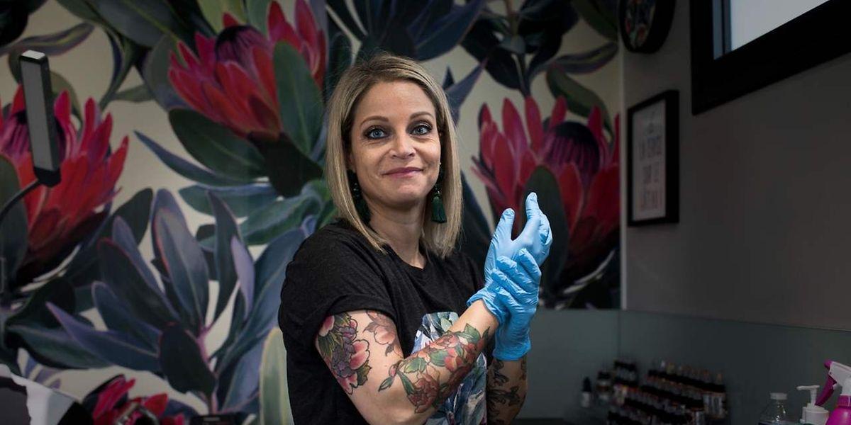 Alexia Cassar dans son studio à Marly-la-Ville. Après quinze ans de travail dans le développement de nouvelles molécules contre le cancer, la vie d'Alexia a basculé en apprenant que la «petite dernière» de ses trois enfants était atteinte d'une leucémie aiguë. «Tout à coup, je me suis retrouvée de l'autre côté de la barrière», se souvient Alexia.