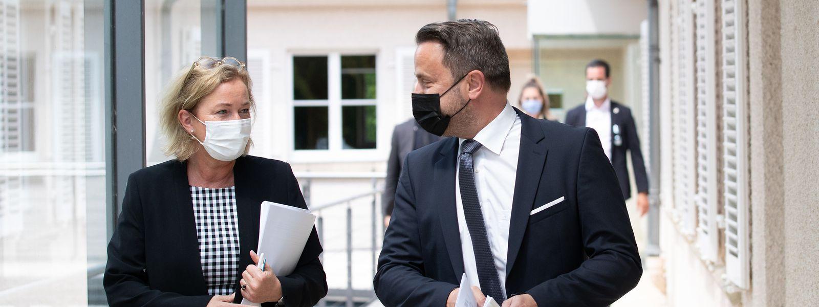 Premier Xavier Bettel und Gesundheitsministerin Paulette Lenert kündigten am Mittwoch weitreichende Lockerungen an.