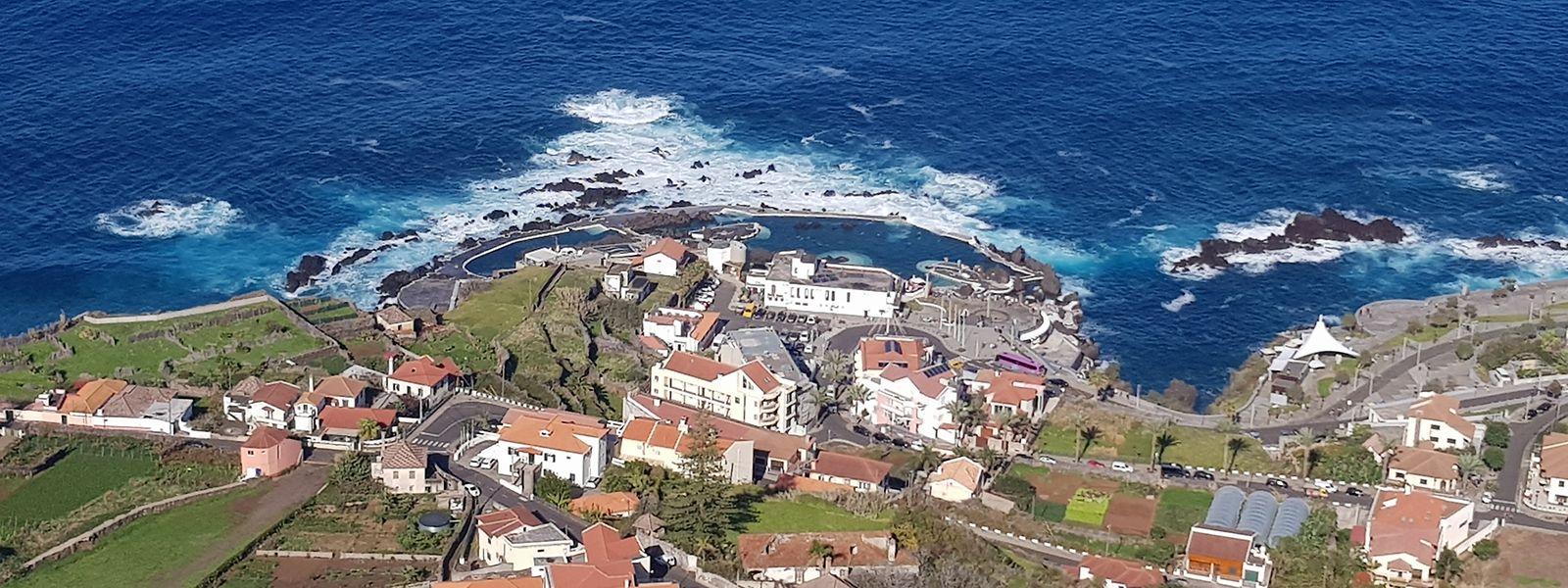 Porto Moniz – Das Städtchen an der Küste ist für seine natürlichen Schwimmbecken bekannt.