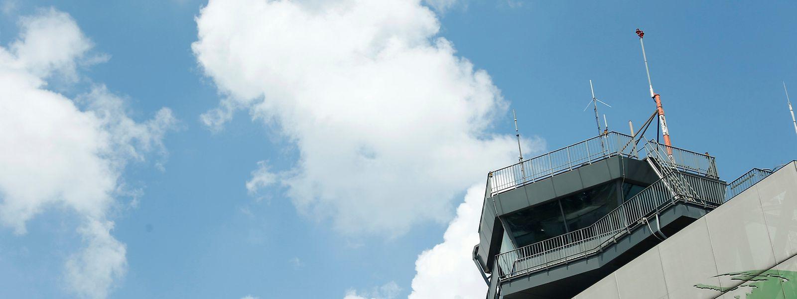Der Flughafen gehört zu 82,5 Prozent dem Land Rheinland-Pfalz, zum kleineren Teil liegen die Anteile bei Hessen.