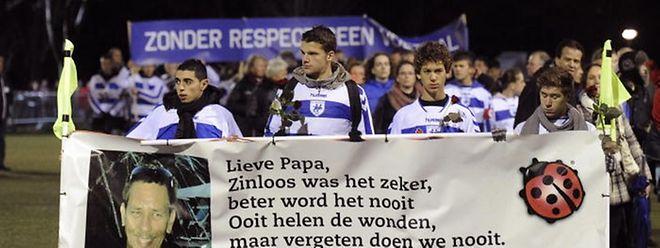 Richard Nieuwenhuizen, war am Sonntag vor einer Woche nach einem Amateurspiel in Almere bei Amsterdam misshandelt worden.