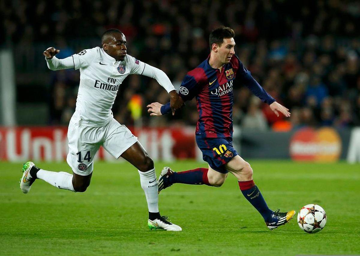 Duel de géants au Camp Nou: Lionel Messi (Barça) devant le Parisien Blaise Matuidi