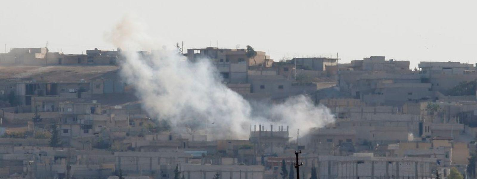 Die IS-Milizen rücken auf die syrische Stadt Kobane an der Grenze zur Türkei vor.