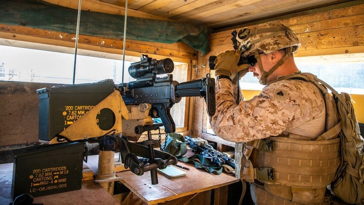In dem Krisenland sind rund 5000 US-Soldaten im Einsatz, die die irakische Armee im Kampf gegen die Terrormiliz Islamischer Staat (IS) unterstützen.