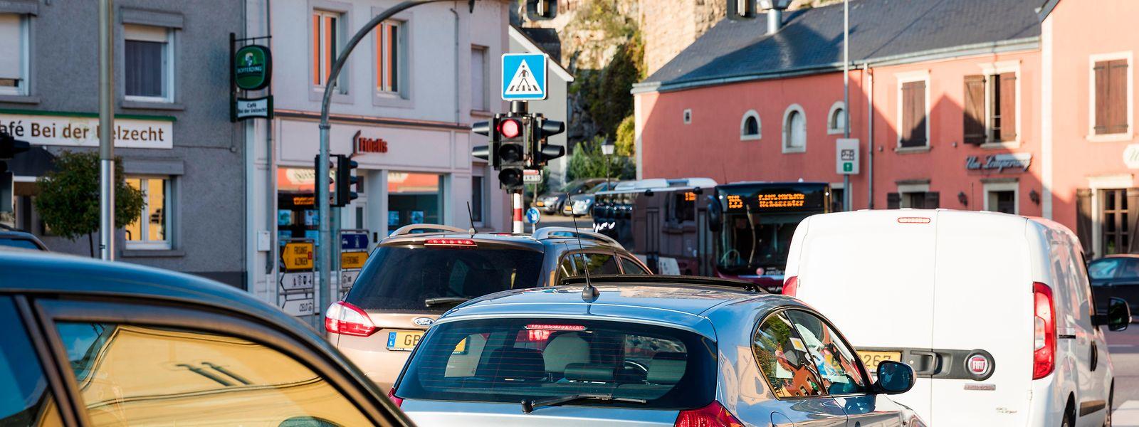 Ein alltägliches Bild: Stau von Hesperingen in Richtung Howald.