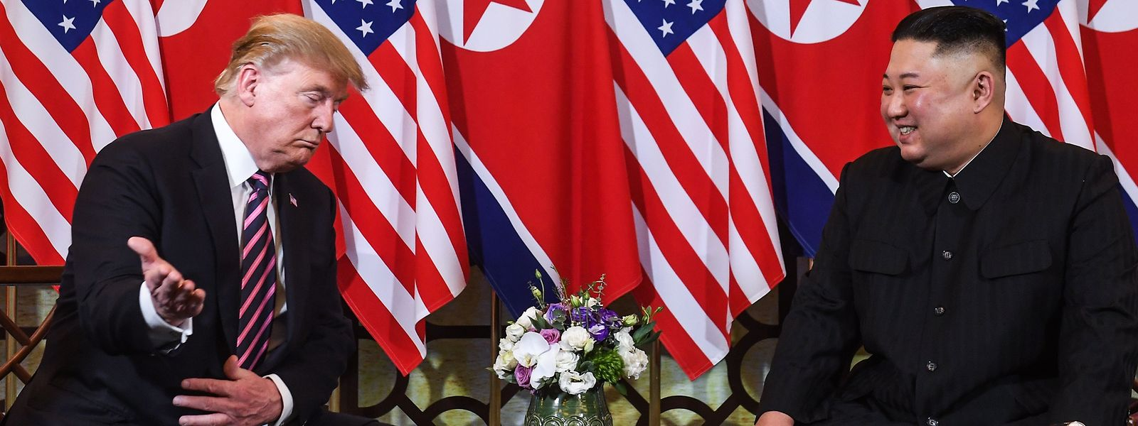 US-Präsident Donald Trump und der nordkoreanische Machthaber Kim Jong Un während ihres Gipfeltreffens im Februar in Hanoi.