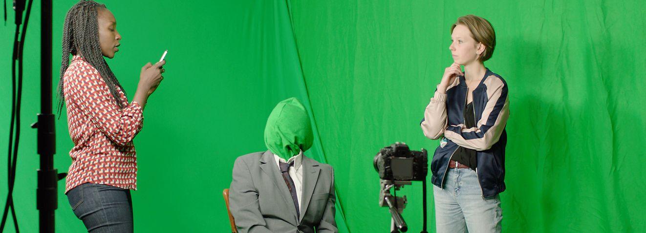 Skurrile Figuren spielen im Film eine zentrale Rolle.