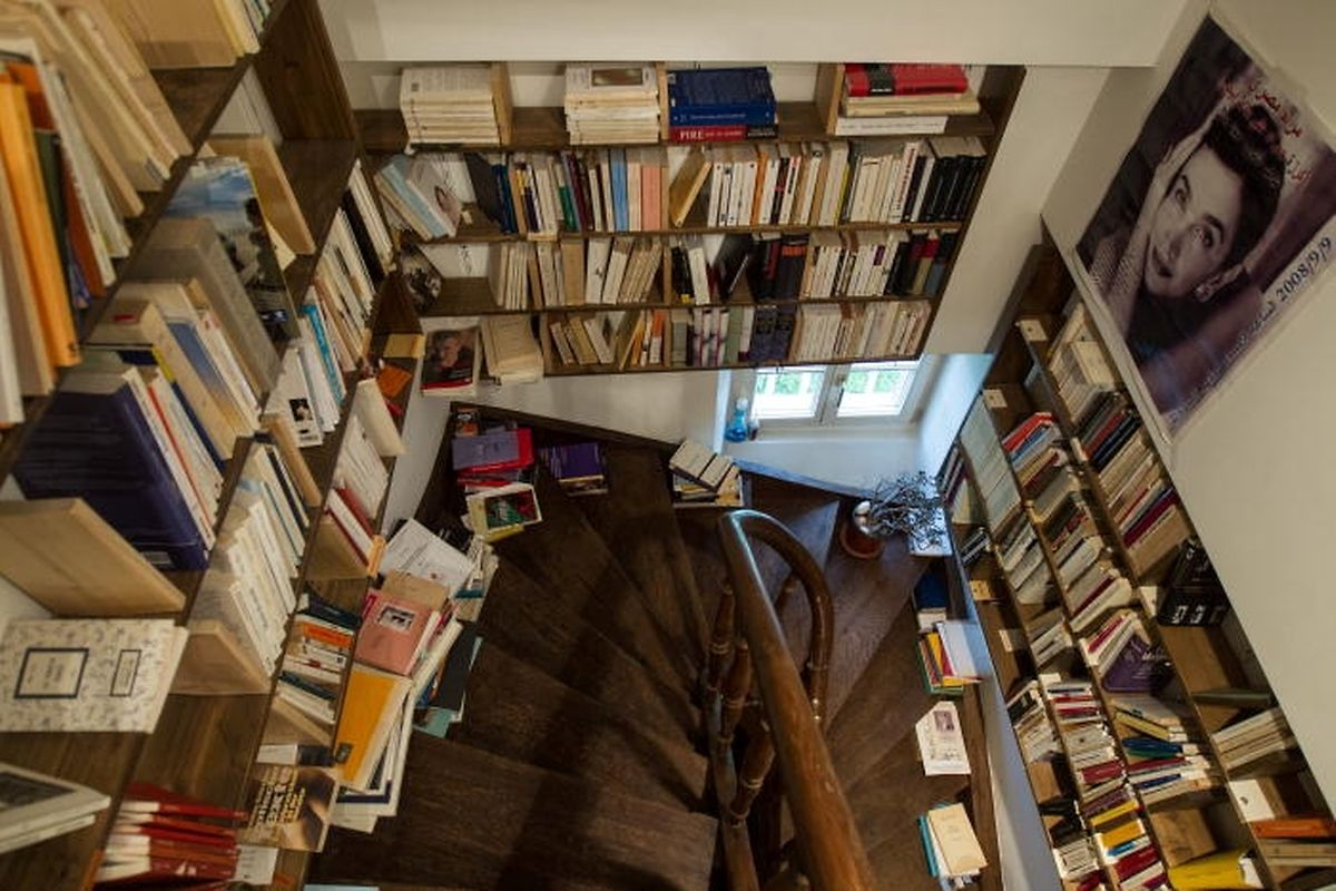 Bücher vom Erdgeschoss bis zum Dachboden.
