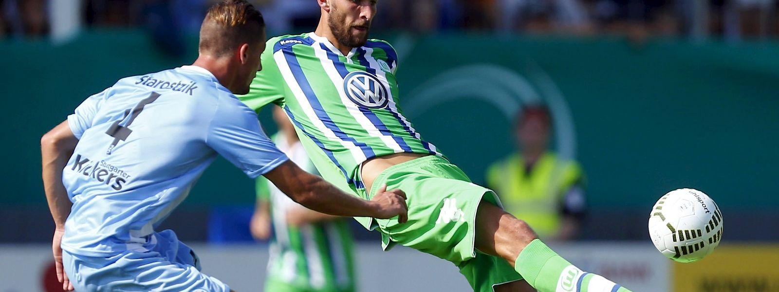 Pokalverteidiger VfL Wolfsburg setzte sich bei den Stuttgarter Kickers durch.