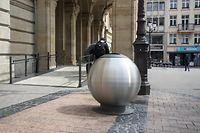 """Insgesamt stehen bislang vier """"Bubbles"""" in der Hauptstadt. Gerade an Punkten, wo das Müllaufkommen besonders hoch ist, sollen sie sich als nützlich erweisen."""
