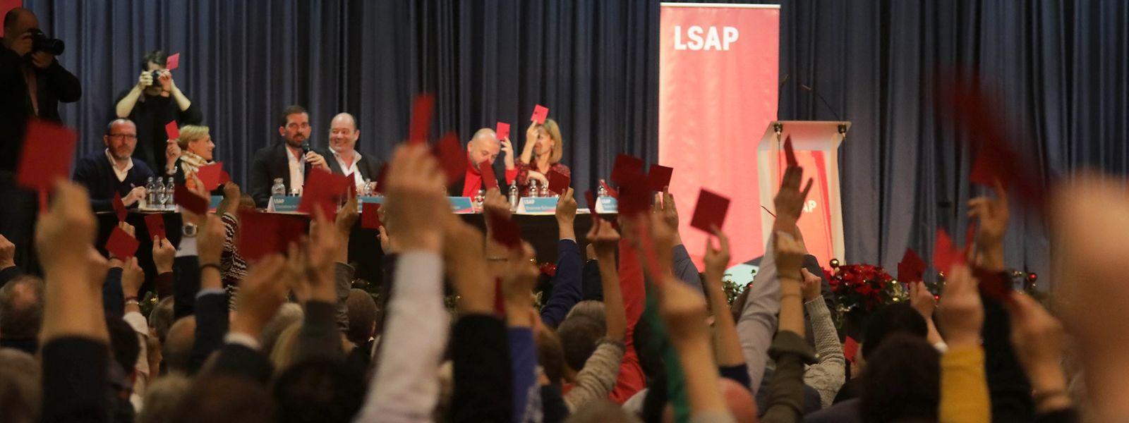 Die LSAP-Basis bestätigt das Koalitionsprogramm und die Ressortverteilung.