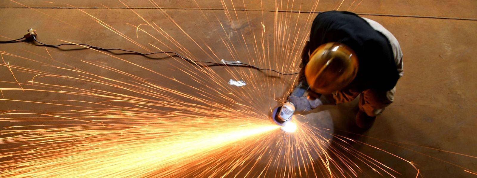 Sept en mai, onze en juin : le nombre d'entreprises du bâtiment admises au chômage partiel va crescendo. Comme les prix des matériaux.
