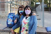 Rosa Abrantes com a filha Adelina no primeiro dia do regresso às aulas na escola de Strutzbierg, em Dudelange.