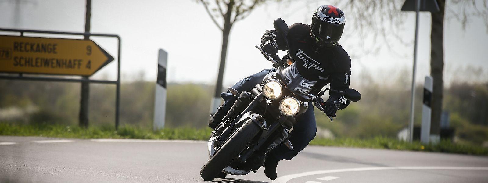 La majorité des accidents de moto a lieu au mois de juillet, les vendredis et en plein jour.