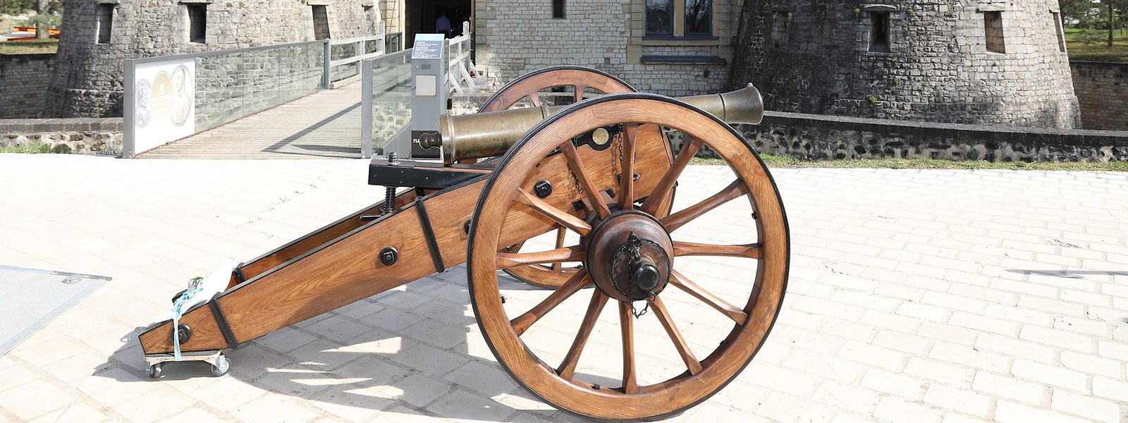 Eine neue Lafette für die Kanone aus dem Jahr 1834.