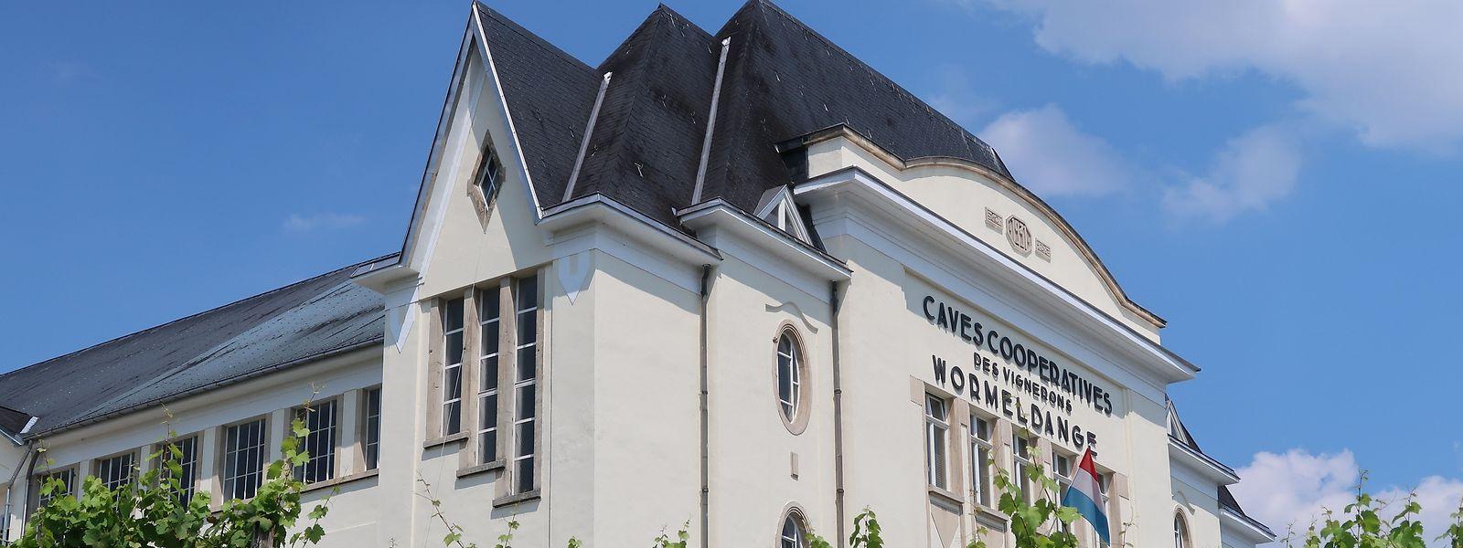 Mit auf der Liste der sehenswerten Gebäude steht die Genossenschaftskellerei in Wormeldingen, von Architekt Jacques Haal 1931 im Art-Deco-Stil erbaut.