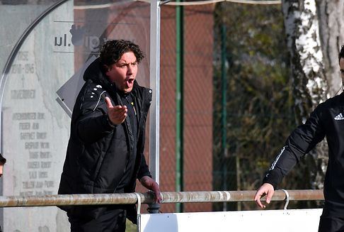 Fußballtrainer Resende unterschreibt in Differdingen
