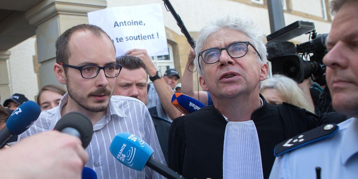 Antoine Deltour a la sortie du Tribunal lors du verdict contre les inculp�s du proc�s LuxLeaks, le 29 Juin 2016.
