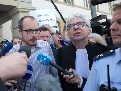 Antoine Deltour a la sortie du Tribunal lors du verdict contre les inculp�s du proc�s LuxLeaks, le 29 Juin 2016. Photo: Chris Karaba