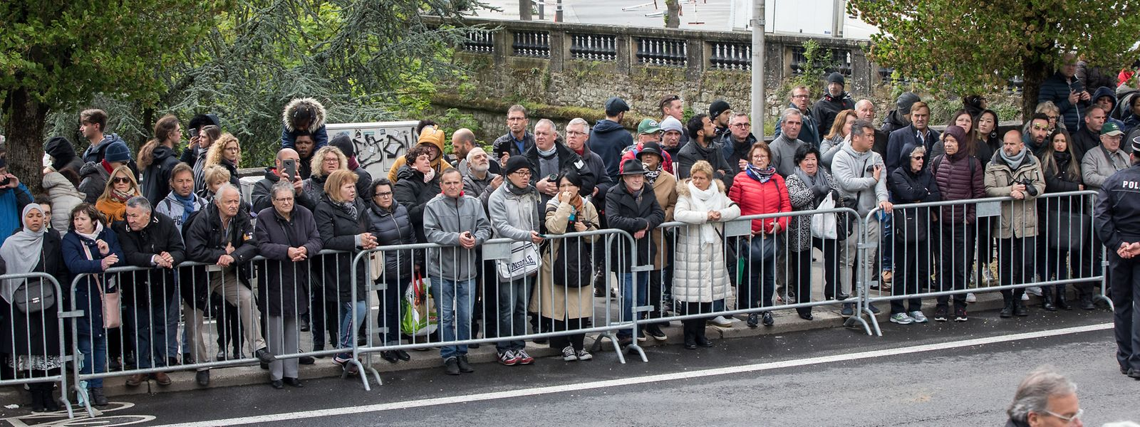 Die Bürger waren aus dem ganzen Land angereist, um der Trauerzeremonie beizuwohnen.