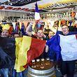 A festa para o França - Bélgica já começou.