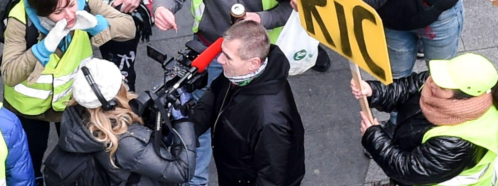 """Der Journalistenberuf ist - wie hier bei den Protesten der """"Gilets jaunes"""" in Frankreich - nicht immer ungefährlich."""