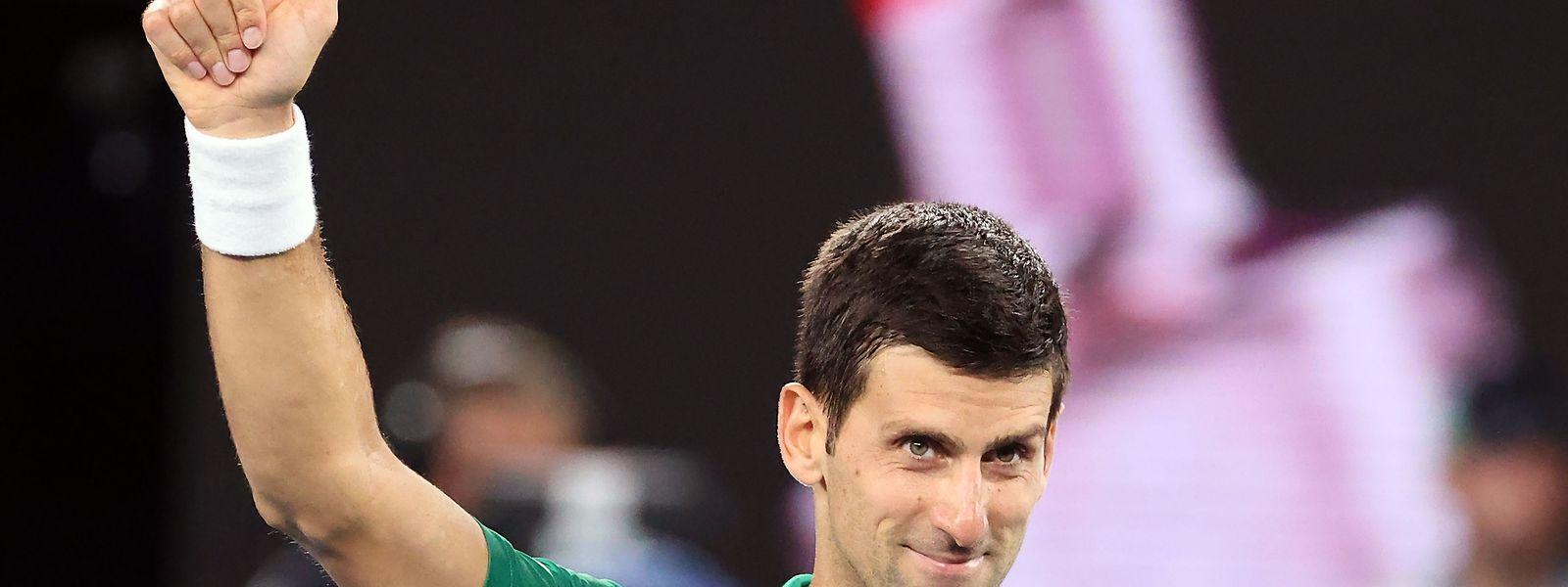Le Serbe Novak Djokovic retrouvera Roger Federer en demi-finale à Melbourne
