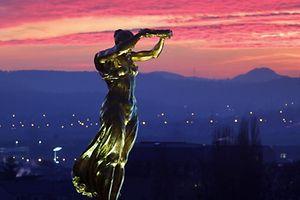 16.12. Gelle Fra / Place de la Constitution Foto: Guy Jallay