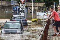 Viele Autos sind der Flut zum Opfer gefallen. Zum Glück hat Luxemburg keine Toten zu beklagen.