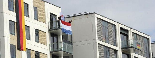 Le drapeau luxembourgeois flotte désormais dans le bloc E